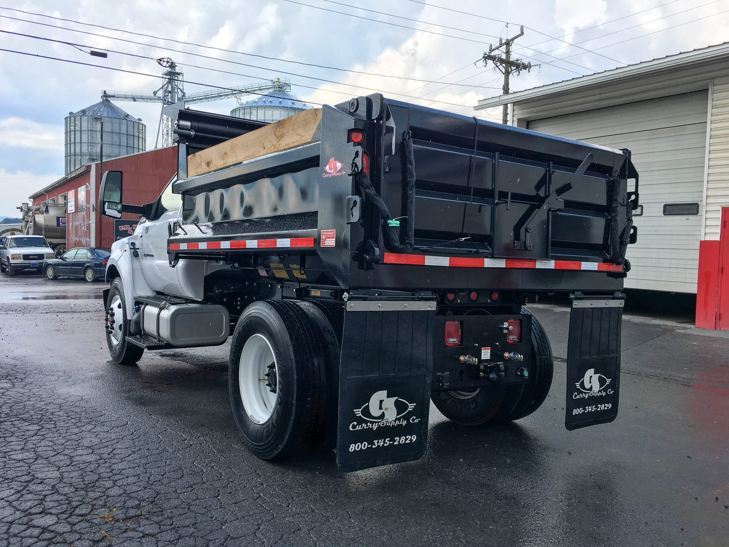 Medium Duty Dump Trucks