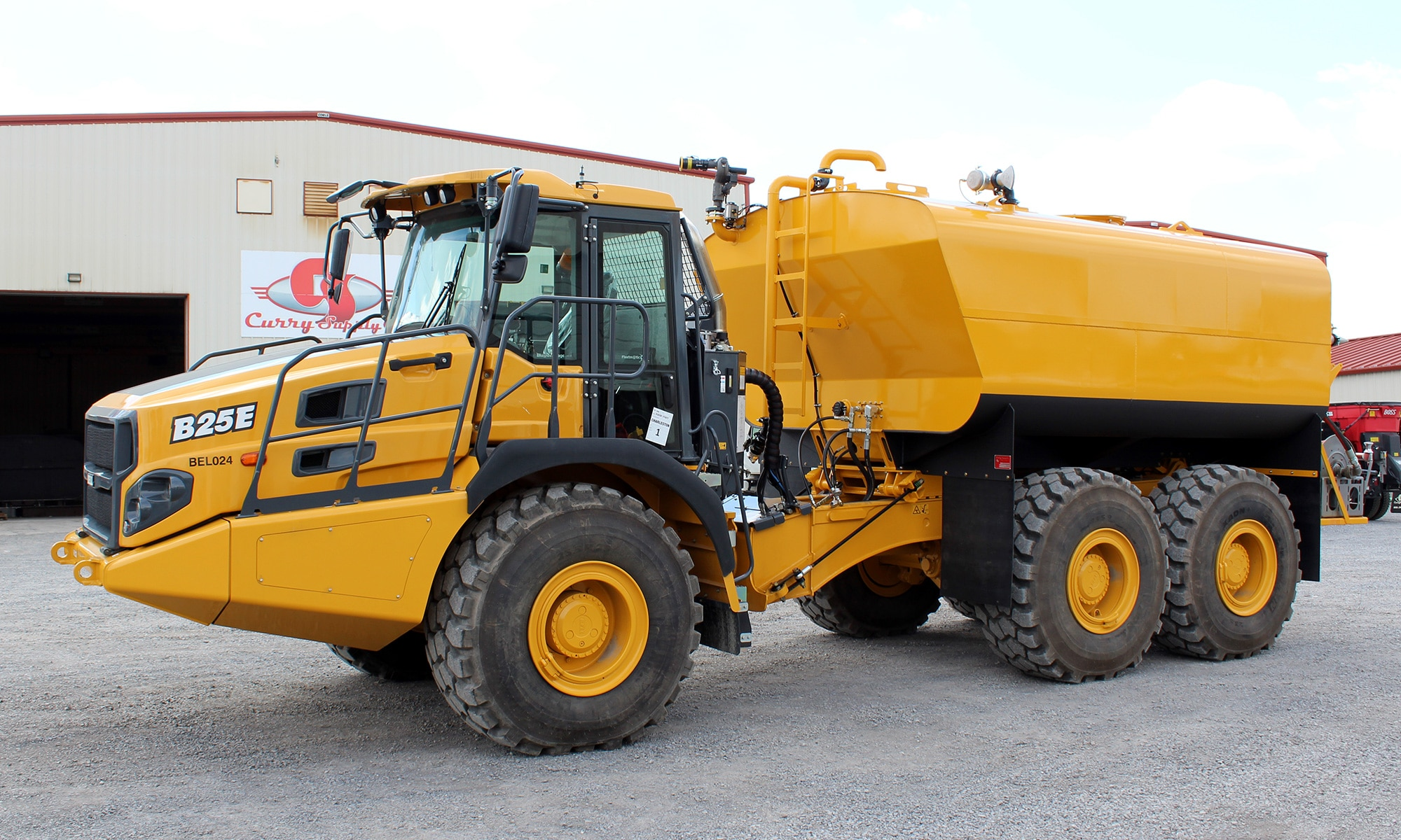 Off-Road Articulated Water Trucks