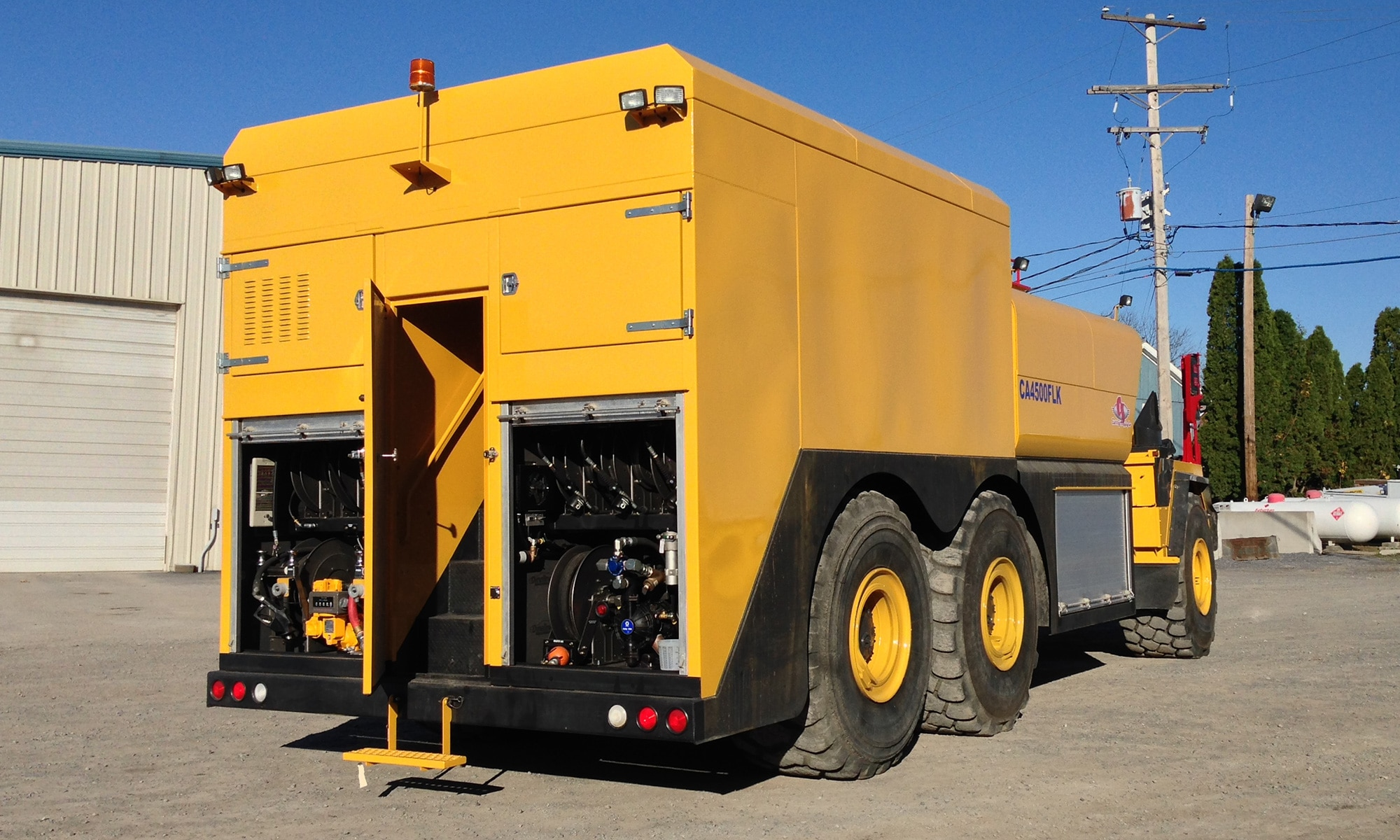 Off-Road Enclosed Fuel/Lube Truck